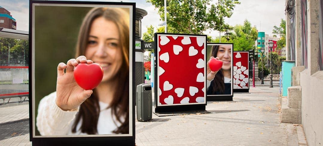 Großformatige Werbung ist ein ungebrochener Trend des Digitaldrucks. (Foto: SAQUIZETA / Shutterstock.com)