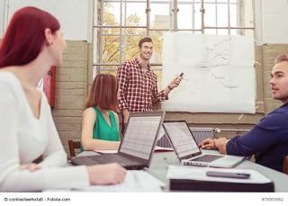 Engagement, Kreativität, Teamfähigkeit: Die Spannungsbilanz bezieht auch die Soft-Skills der Mitarbeiter ein. (Foto: © contrastwerkstatt / Fotolia.com)