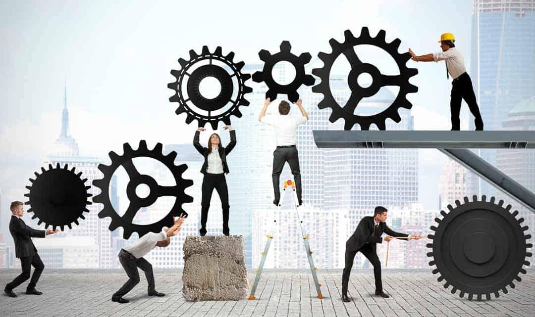 Von der Technik bis zum Vertrieb – alle Räder eines Unternehmens müssen ineinandergreifen. (Foto: alphaspirit / Shutterstock.com)